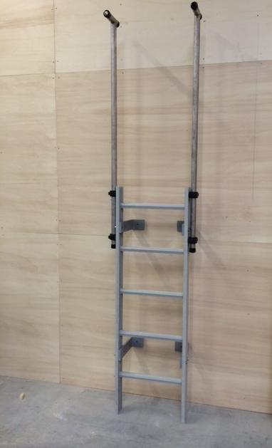 ladder met uitstapsteunen